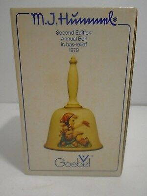 Vintage 1979 Second Edition Goebel M.i. Hummel Annual Bell In Bas-Relief