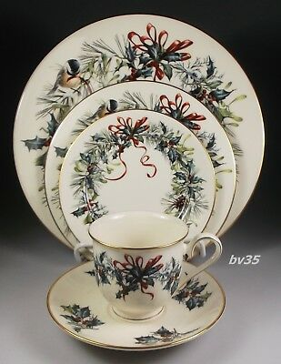 LENOX WINTER GREETINGS fine china 5 PIECE PLACE SETTING - SETTINGS - PERFECT!