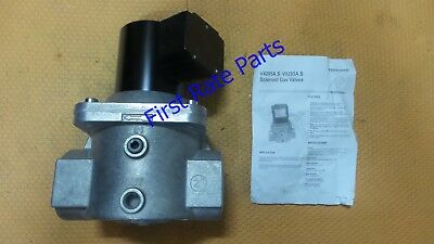 Honeywell V4295A1064 Solenoid Gas Valve V4295A 1064 Natural LP 120V AC Shut Off