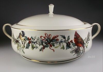 LENOX WINTER GREETINGS fine china ROUND COVERED VEGETABLE BOWL - MINT