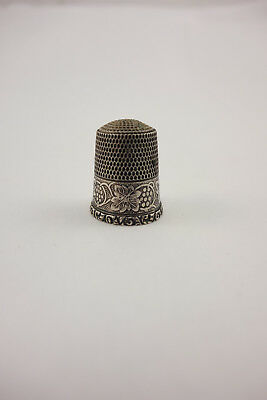 Antique Simons Brothers Sterling Silver Sewing Thimble Size 9 Grape Leaves