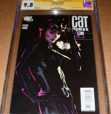 Catwoman #46 CGC SS 9.8 SIGNED Adam Hughes DC 2005 Selina Kyle White pages