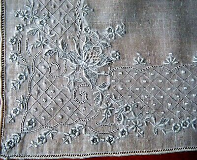 Vtg WEDDING Hanky Handkerchiefs Lavishly hand embroidered floral design Swiss
