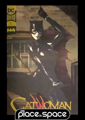Catwoman, Vol. 5 #1 - Artgerm - Convention Gold Foil Variant (Wk45)
