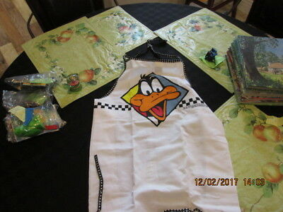 DAFFY DUCK Looney Tunes 1993 Apron Cambridge NEW approx. 29""