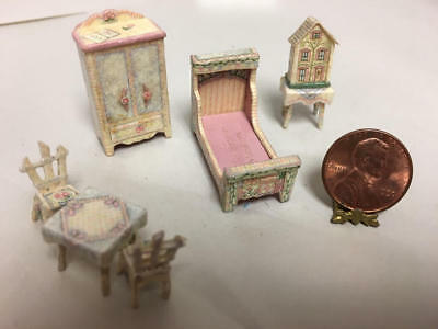 Dollhouse Miniature Bedroom Set Marked Robin Betterley 1/4 Scale?