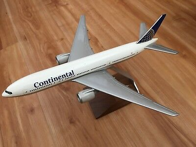 Continental Airlines Boeing 757-200 Desk Display 1/150 Model Airplane