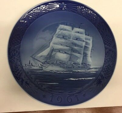 "1961 ""The Training Ship"" Royal Copenhagen Denmark 7"" Christmas Plate"