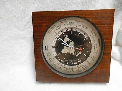 Seiko World Time Clock Desk Mantle Wood & Glass Qz877B Qqz877B Quartz