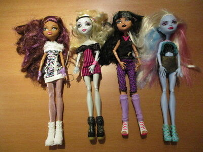 4 Monster High Puppen Cleo de Nile, Clawdeen Wolf, Lagoona Blue, Abbey Bominable