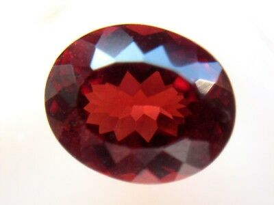 RHODOLITH GRANAT  -  OVAL FACET  -  7,3x6 mm  -  1,51 ct.