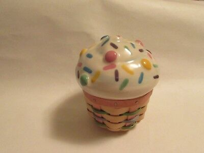Longaberger Collector's Club Miniature Cupcake Basket W/Ceramic Lid/Protector