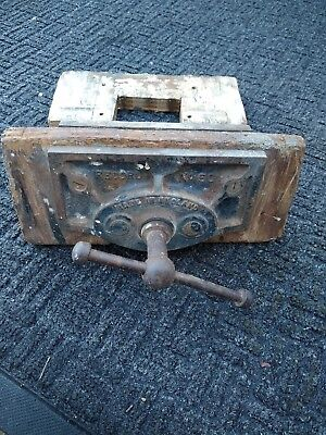 vintage Record No 50 Bench Vice  Wood Working Vice  Carpenters Vice