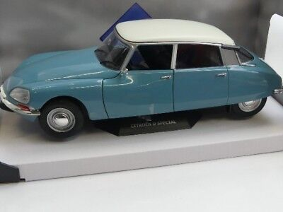 SOL1800702 by SOLIDO/' CITROEN DS SPECIAL 1972 1:18