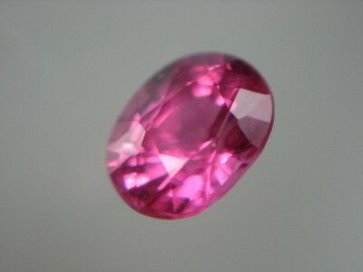 SPINELL  -  OVAL FACET  -  4,7x3,7 mm  -  0,38 ct.