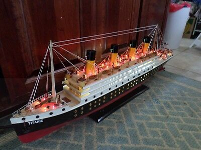 Titanic wooden model cruise ship with flashing light 32""