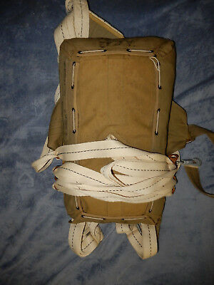 Airborne Paratrooper Us Army T5 Parachute Pack Set Up For Display 1944