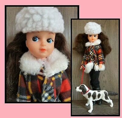 Vintage Fleur (dutch Sindy) fashion doll, outfit # 1222, with her dog