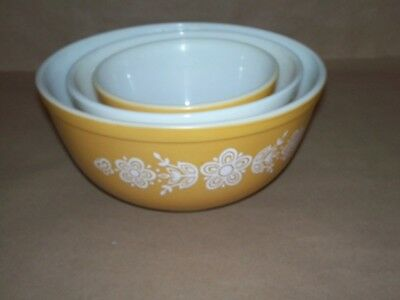 Vintage Pyrex Butterfly Gold Cinderella Nesting Mixing Bowl Set of 3  NR