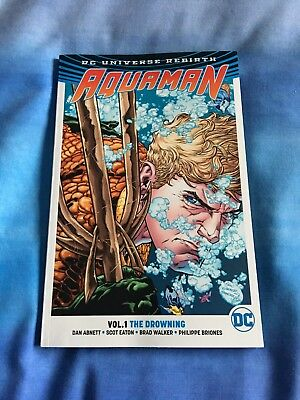 Aquaman Volume One The Drowning Graphic Novel DC Comics Rebirth.