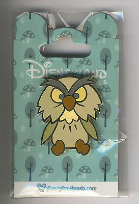 Disneyland Paris Disney Pin Naif Archimedes The Sword in the Stone New July 2017