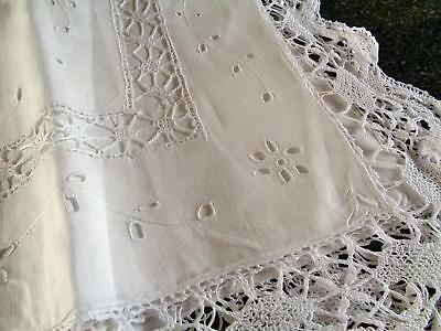 A Superb Pair Of Rare Cutwork & Bobbin Lace Large Antique Linen Pillowcases