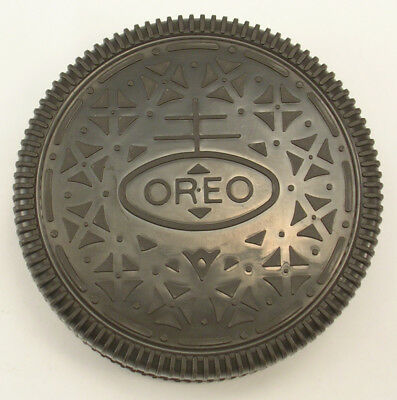Oreo Cookie Snack Box 4-3/8 Inches Across Dated 1999 Nabisco Brands Company
