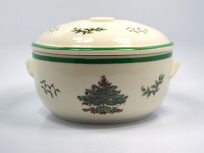 Spode Christmas Tree Round Deep Covered Casserole, 4.5 Pints, with box