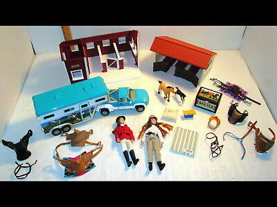 Breyer Stablemates Horse Barn Stable Blue Truck Trailer Doll/Figures/Accessories