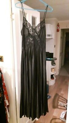 14 St Michael Full Length Black Pleated Lacey Nightdress Nightie Nightgown