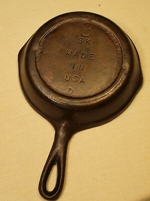 Vintage 3 SK Made USA D Cast Iron Double Spout Heat Ring Cookware Skillet VGC