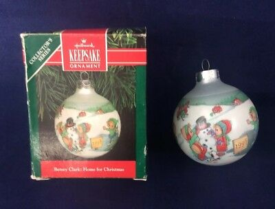NEW Vintage 1991 BETSEY CLARK: HOME FOR CHRISTMAS Glass 6th and Final