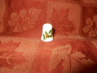 pretty holly thimble