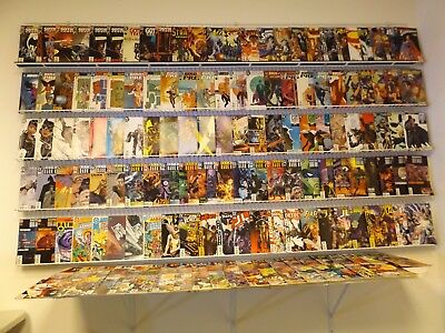 Huge Lot 175+ Comics W/Batman, Catwoman, Birds of Prey+MORE! Avg VF- Condition!