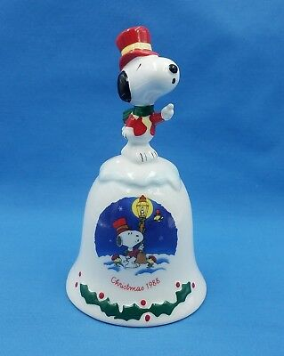 Willitts Peanuts Snoopy Christmas 1988 Ceramic Bell Second Limited Edition