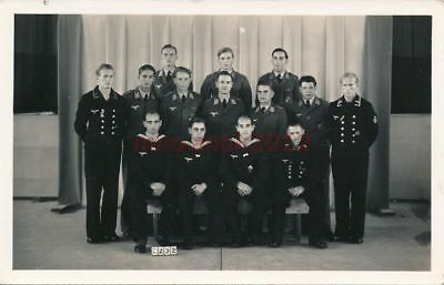 Foto, POW im Camp 132 Lethbridge - Gruppenportrait 2, 1944;  5026-199