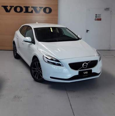 Volvo V40 T2 Business Plus - completa di tutto