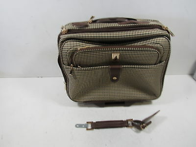 London Fog Luggage Chelsea 17 Inch Computer Bag Olive Plaid One Size 8118 Olv