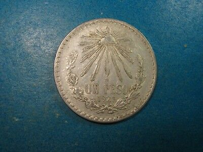 1925 Mexico 1 Peso .720 Silver.  Nice Vf-Xf Low Mintage Coin