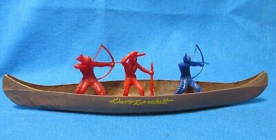 Vintage 1950's Davy Crockett hard plastic canoe with 3 Indiands -MPC