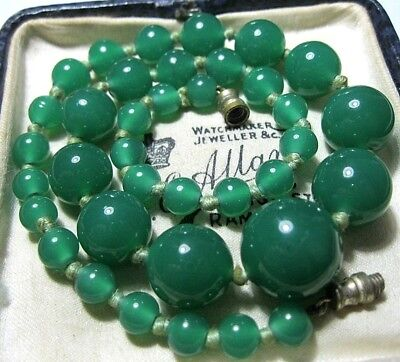 VINTAGE Antique 1930s ART DECO Green Onyx GLASS Bead Knotted Choker NECKLACE