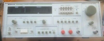LEADER LSG-221B SIGNAL GENERATOR, 127 Channel, 4 Band, 25-950MHz