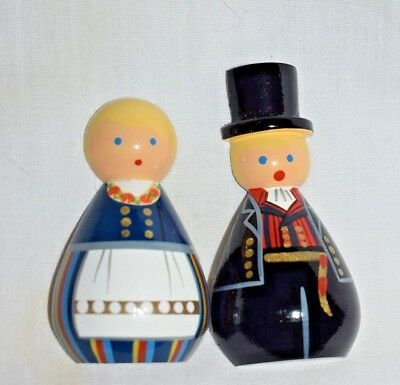 """Estate  Souvenir  Set of Magnets  Man & Woman From German Wood 2-1/2"""" T  LOOK"""