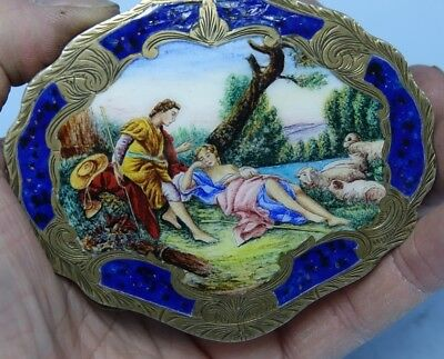 Stunning Quality Silver & Enamel Compact With Amazing Lovers Decoration - Rare