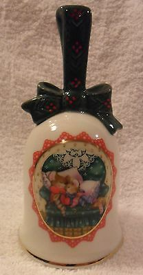 """1990 Avon """"Waiting for Santa"""" Porcelain Christmas Bell mice mouse EXCELLENT COND"""