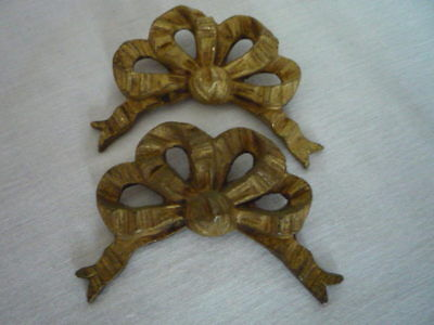 A Pair Of Antique French Large Gilt Ribbon Bow Picture Hook Covers Cache Clou
