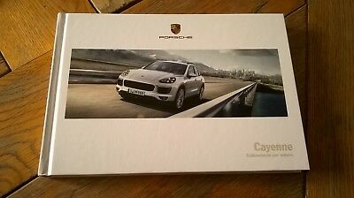Brochure PORSCHE CAYENNE  03/2017 :  catalogue rigide 166 p. FR