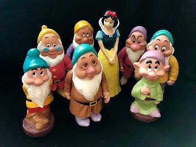 Snow White Figure / Bank with Seven Dwarves Characters Disney Thailand