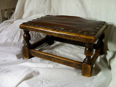 Antique Footstool [small/stool/seat/chair/ for tlc restoration project.🔔🔔🔔🔔