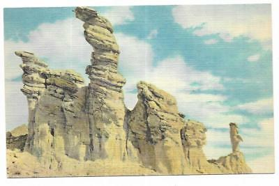 Vintage Wyoming Linen Postcard Hell's Half Acre Formations Diver